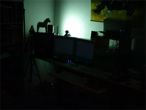 Moje počítačové doupě za temné noci